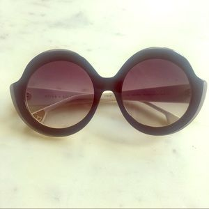 NWT Alice + Olivia Stacey Sunglasses, Black White